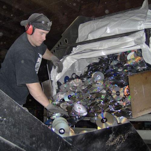 Employee Recycling Plastic 01